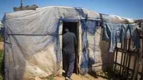 El mayor asentamiento chabolista de jornaleros africanos en la provincia de Huelva está en Lepe.