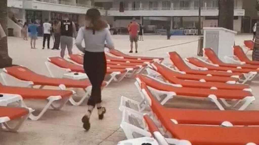 Muchos turistas tuvieron que ser evacuados por las llamas