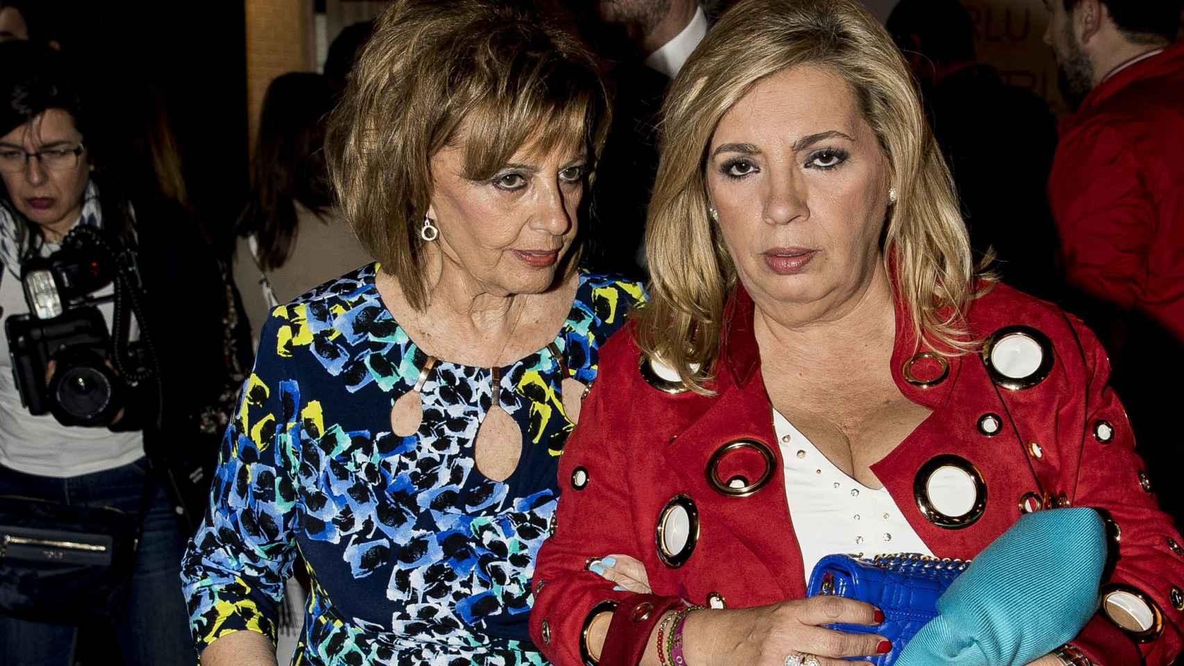 María Teresa junto a su hija Carmen Borrego.