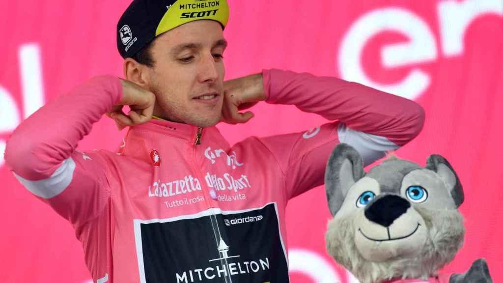 Simon Yates todavía no puede confiarse, aunque el Giro esté de cara.