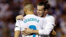 Benzema y Bale celebran un gol del Real Madrid