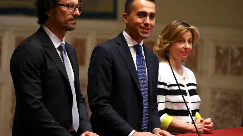 El líder del M5E, Luigi di Maio, en el centro, esta semana en Roma.