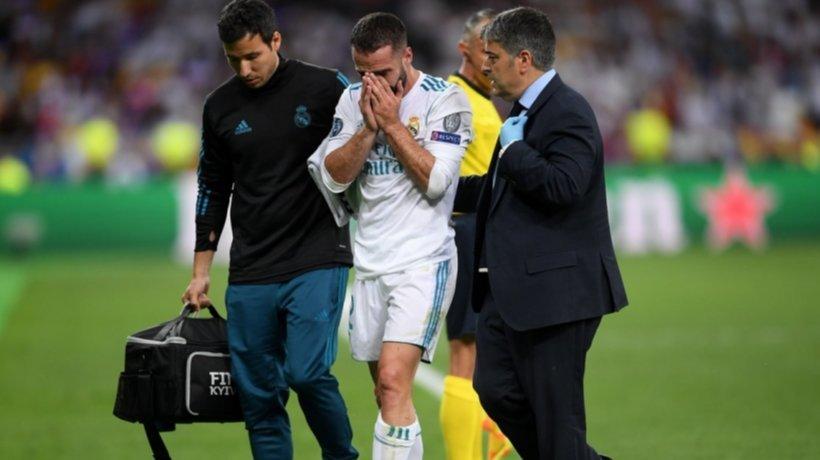Carvajal, destrozado, al lesionarse contra el Liverpool