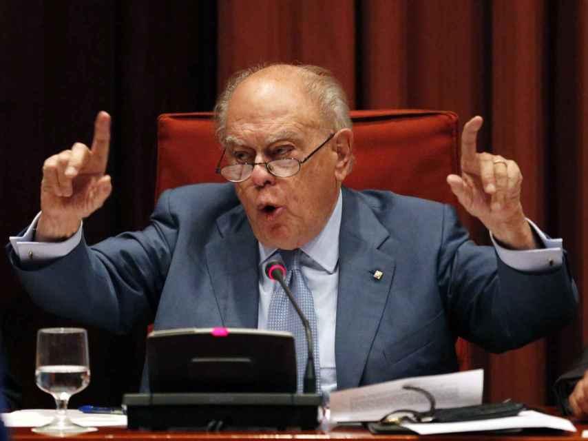 Jordi Pujol, durante su comparecencia en el Parlamento catalán para defenderse de las acusaciones de corrupción.