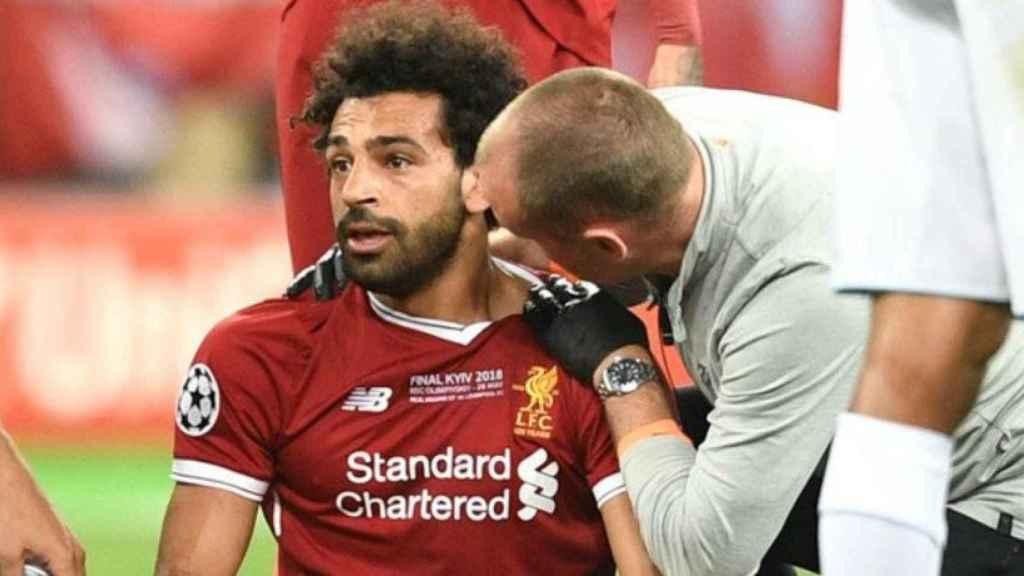Salah se lesiona en la final de Kiev. Foto Twitter (@LFC)