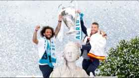 Sergio Ramos y Marcelo coronan Cibeles
