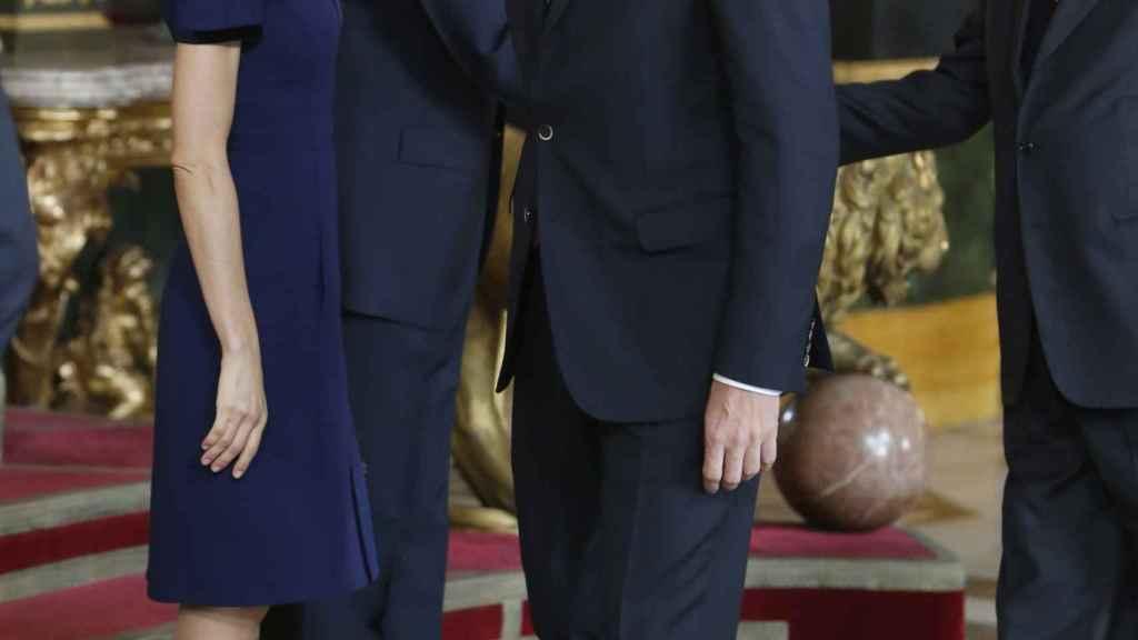 La reina Letizia y el líder socialista, Pedro Sánchez.