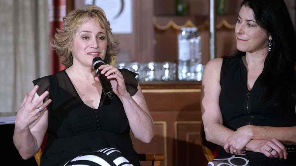 La soprano Patricia Racette, junto a su mujer, Beth Clayton, en el Teatro Real.