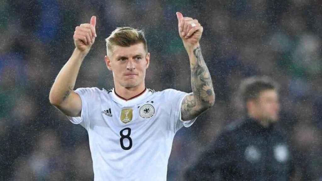 Kroos, en el partido con Alemania. Foto. Twitter (@Tonikroos)