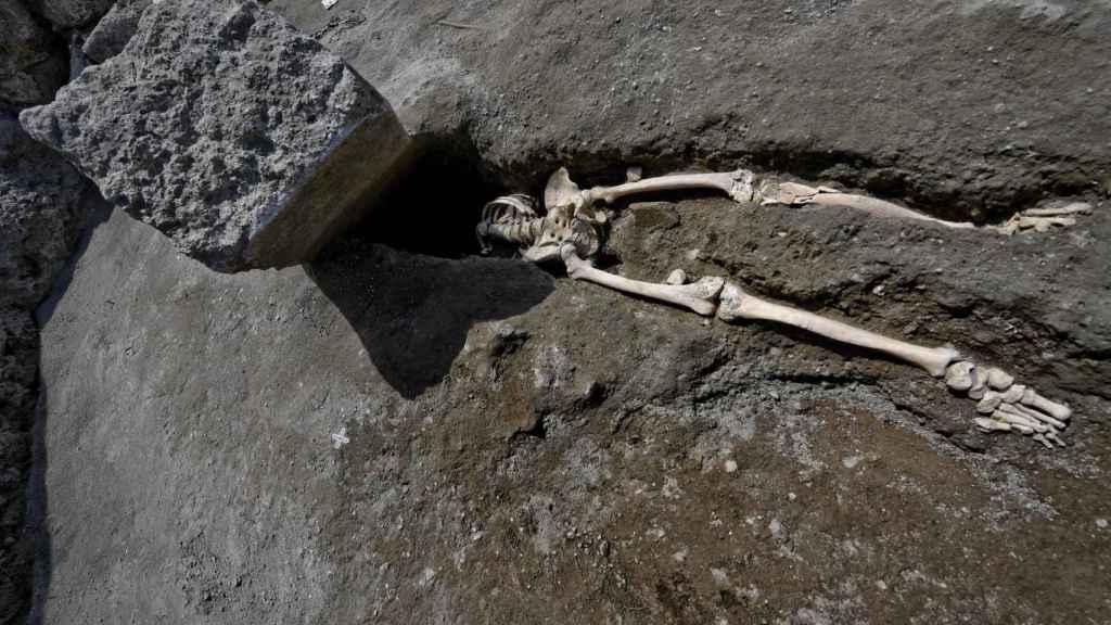 Hallazgo de un nuevo esqueleto de una de las víctimas de la erupción del Vesubio