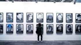 La obra de Santiago Sierra antes de ser descolgada de ARCO tras la censura.