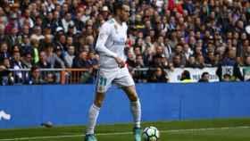 Gareth Bale, con el balón. Foto: Pedro Rodriguez/El Bernabéu