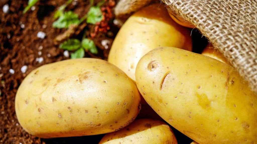 Abusar de las patatas puede aumentar nuestros niveles de glucosa en sangre.