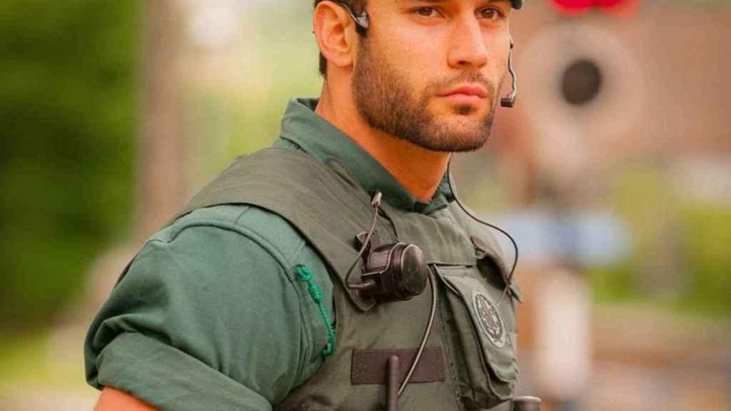 El Guardia Civil en la imagen que lo hizo viral.
