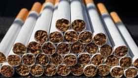 Cigarrillos convencionales, de los que las grandes tabacaleras reniegan, en una imagen de archivo.
