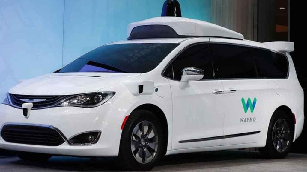 waymo chrysler pacifica van hibrido coche autonomo taxi autonomo