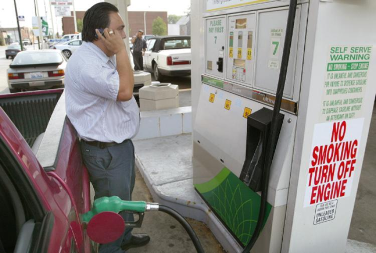 telefonos moviles gasolineras prohibido