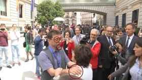 Los gestos de superioridad y desprecio de Juan Carlos Monedero sobre Soraya Sáenz de Santamaría.