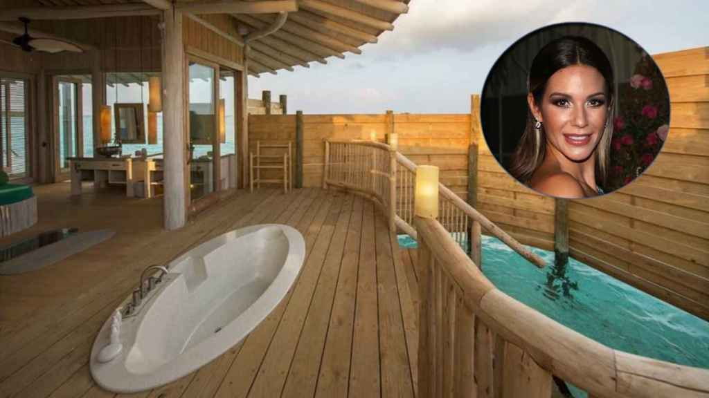 Tamara en una de las habitaciones del 'resort' en un fotomontaje de Jaleos.