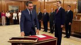 Màxim Huerta promete el cargo ante el Rey.