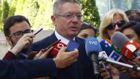 Alberto Ruiz Gallardón a la salida de su declaración en la Audiencia Nacional