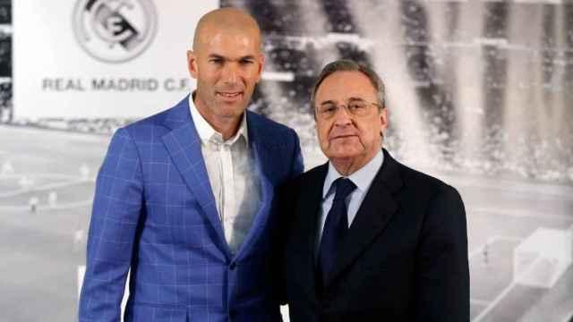 Zidane y Florentino Pérez durante la presentación del francés