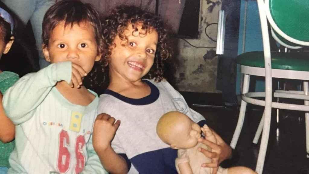 Juan y Jennifer,los hijos de Nidia, cuando eran pequeños