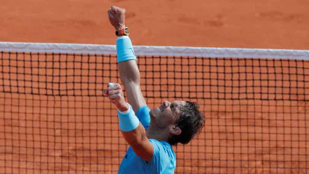 Nadal, festejando su victoria en Roland Garros.