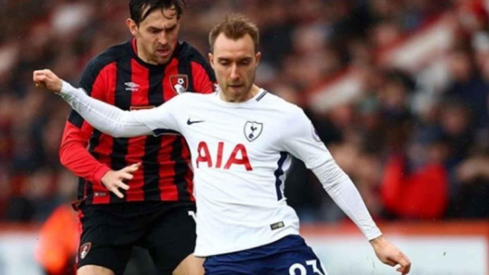 Christian Eriksen, Tottenham, protege un balón ante el rival. Foto: Instagram (@chriseriksen8)