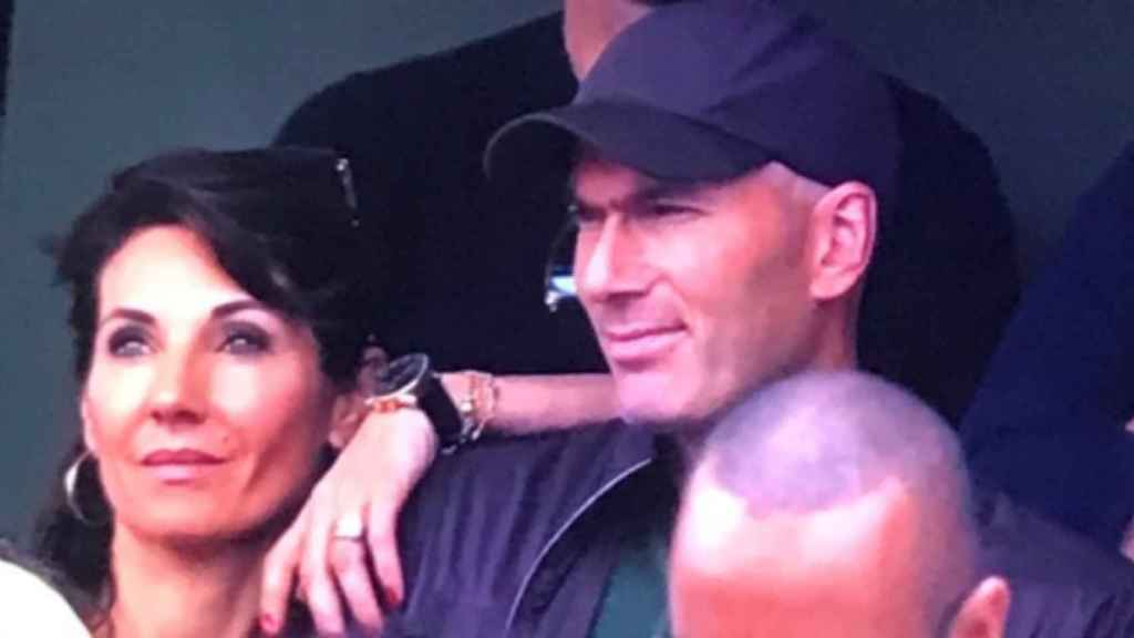 Zidane, junto a su mujer Véronique