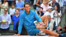 Rafa Nadal posa después de ganar Roland Garros. Foto: Twitter (@rolandgarros)