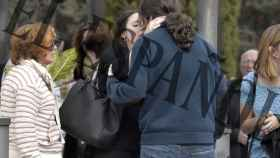 Irene Montero y Pablo Iglesias durante el entierro.