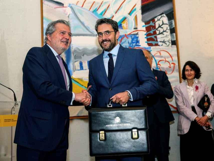 Méndez de Vigo y Màxim Huerta el día del traspaso de carteras.
