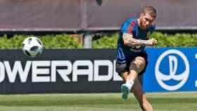 Sergio Ramos durante un entrenamiento con la selección española. Foto: Twitter (@sefutbol)