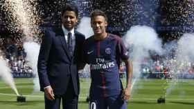 Al-Khelaïfi y Neymar. Foto: Twitter (@PSG_inside)