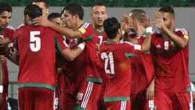 Los futbolistas de Marruecos celebran un gol