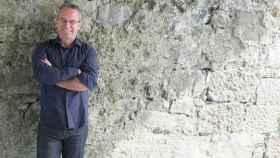 Mike McComark recogiendo el premio literario internacional de Dublin