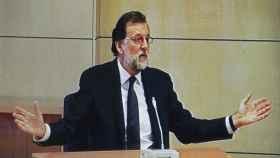 Rajoy declarando como testigo en la Audiencia Nacional hace un año.