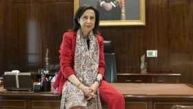 Margarita Robles en su despacho del Ministerio de Defensa.