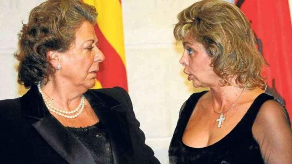 La exalcaldesa de Valencia, la difunta Rita Barberá, y la que durante 14 años fue concejal en sus sucesivos gobierno municipales, María José Alcón.