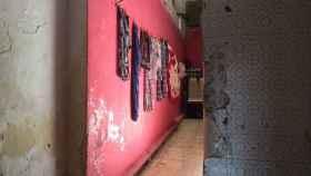 Interior del edificio de Badalona en el que un hombre mató a su mujer el domingo por la noche