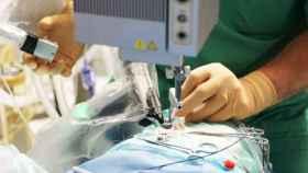 robot cirugia ocular operacion ojo PRECEYES