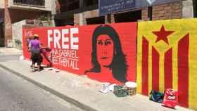El mural se ha pintado este sábado en una de las calles de Reus.