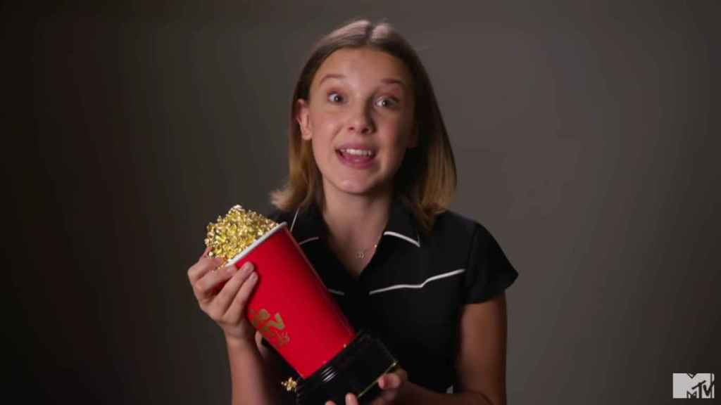 Millie Bobby Brown en el vídeo con el que agradeció el premio.