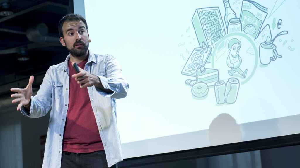 Aitor Sánchez durante la presentación de su libro 'Mi dieta ya no cojea' en la Fundación Telefónica.