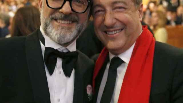 Los grandes cocineros a nivel mundial, el italiano Massimo Bottura, (i) y el español Joan Roca (d).