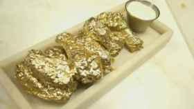 Las alitas de pollo bañadas en oro, la última moda gastronómica en Nueva York