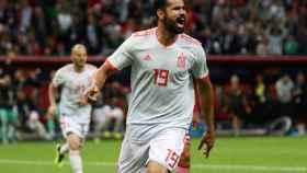Diego Costa celebra su gol con España.