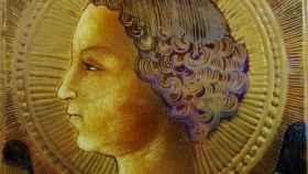 La pintura de un joven Arcángel Gabriel, en terracota y de 1471.
