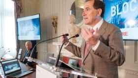 Antonio Huertas, presidente de Mapfre, en los cursos de la APIE en Santander.